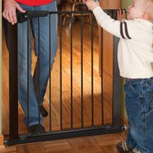 "Gateway Pressure Mounted Pet Gate (Color: Black, Size: 29"" - 37"" x 29.5"")"
